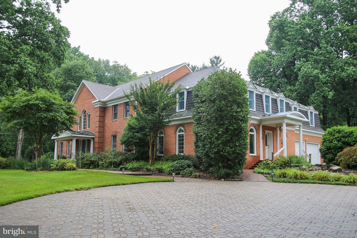 단독 가정 주택 용 매매 에 15909 Sycamore Lane 15909 Sycamore Lane Rockville, 메릴랜드 20853 미국