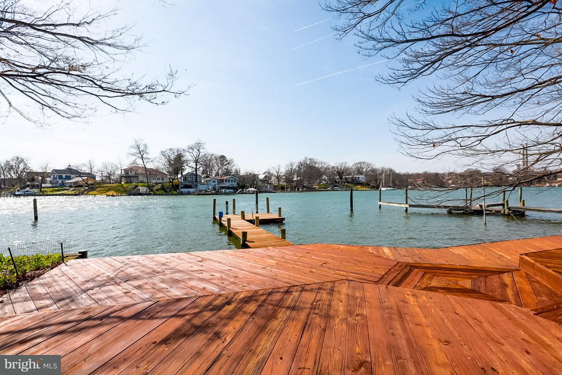 Single Family for Sale at 220 Greenland Beach Rd Curtis Bay, Maryland 21226 United States
