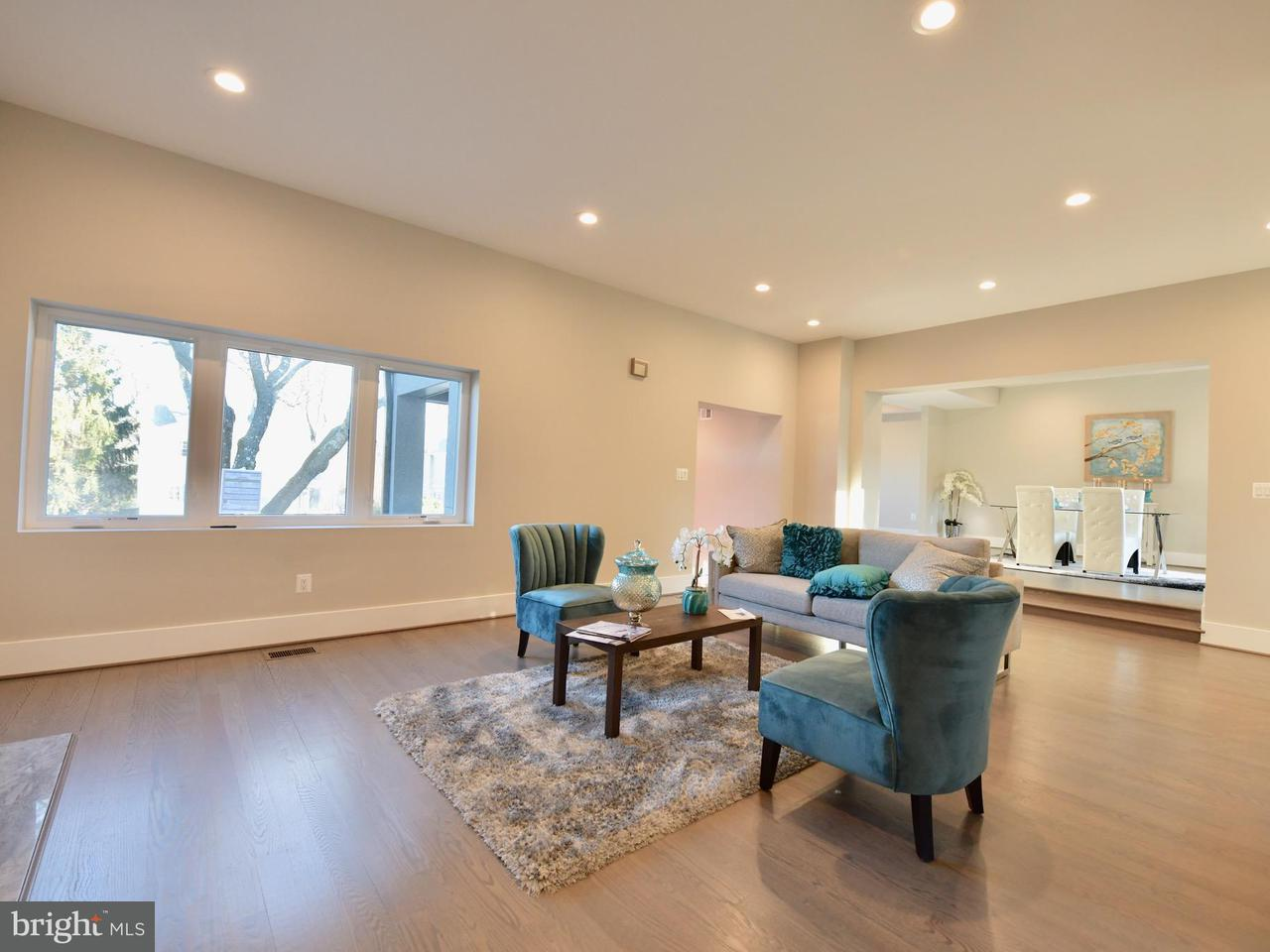 Additional photo for property listing at 215 Greenway Blvd W 215 Greenway Blvd W Falls Church, 버지니아 22046 미국