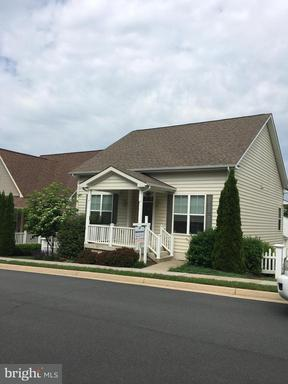 Property for sale at 17442 Lethridge Cir, Round Hill,  VA 20141
