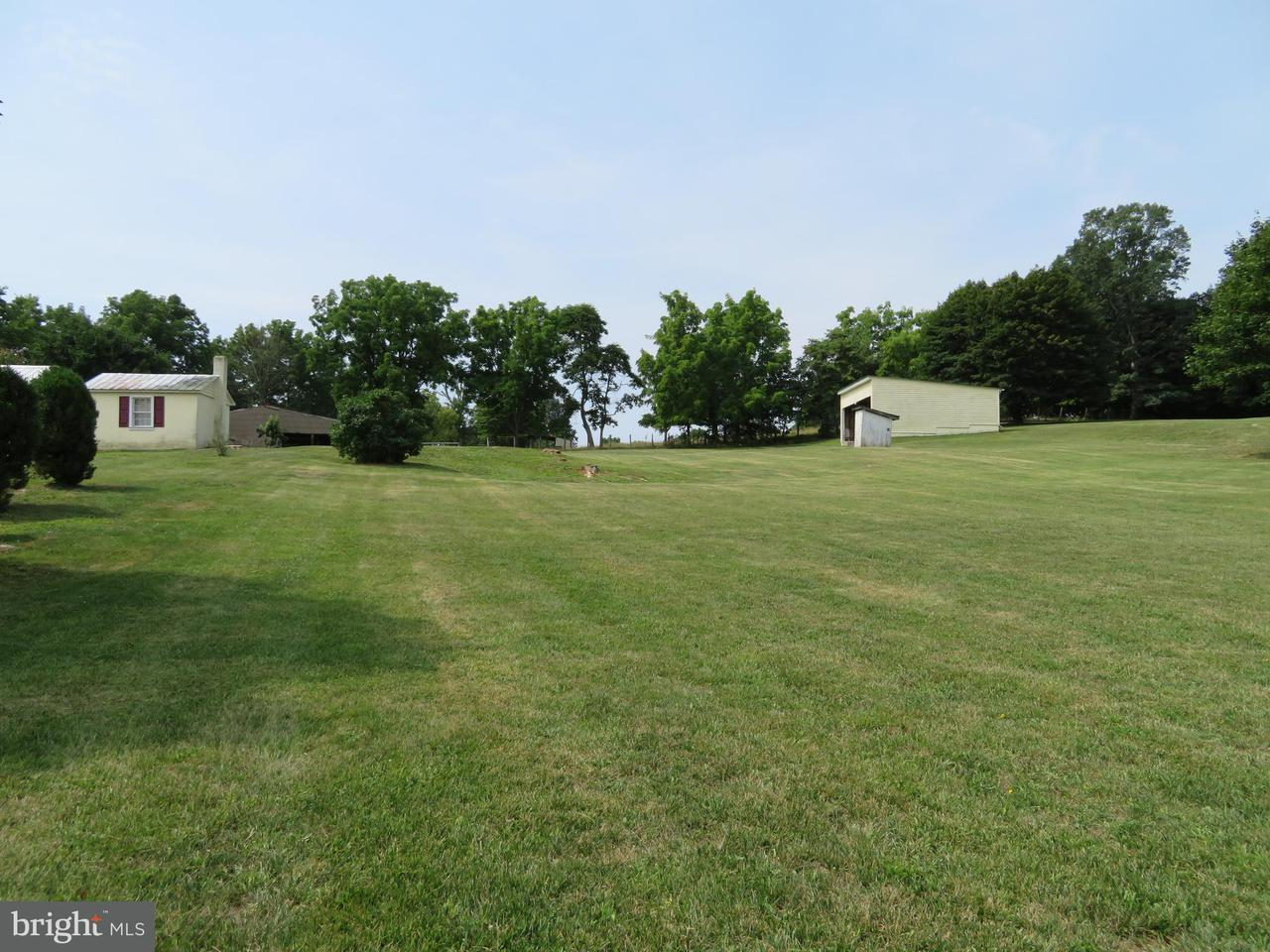 Additional photo for property listing at 2347 Henshaw Road 2347 Henshaw Road Inwood, Virginie-Occidentale 25428 États-Unis