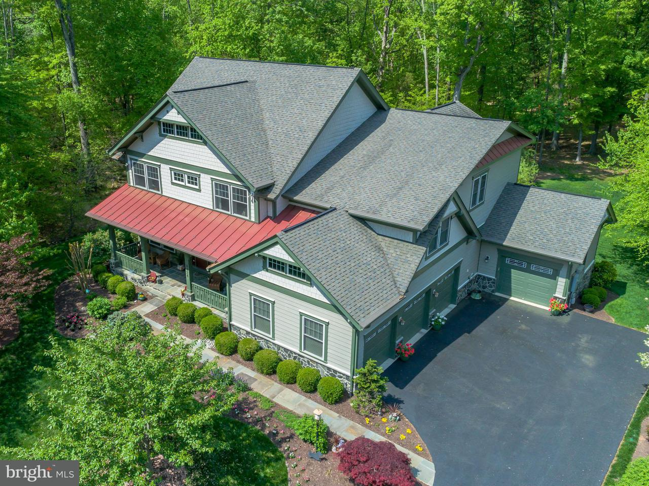 独户住宅 为 销售 在 8424 Bearhurst Drive 8424 Bearhurst Drive Gainesville, 弗吉尼亚州 20155 美国