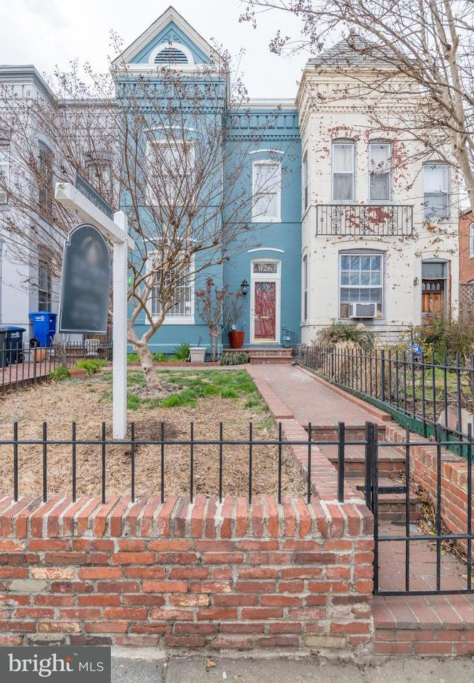 Single Family for Sale at 826 12th St NE Washington, District Of Columbia 20002 United States