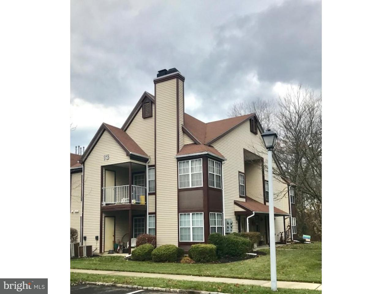 Таунхаус для того Продажа на 131 ANDOVER Place Robbinsville, Нью-Джерси 08691 Соединенные ШтатыВ/Около: Robbinsville Township
