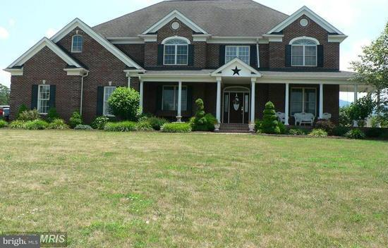 Single Family for Sale at 233 Yokum Hollow Rd Petersburg, West Virginia 26847 United States