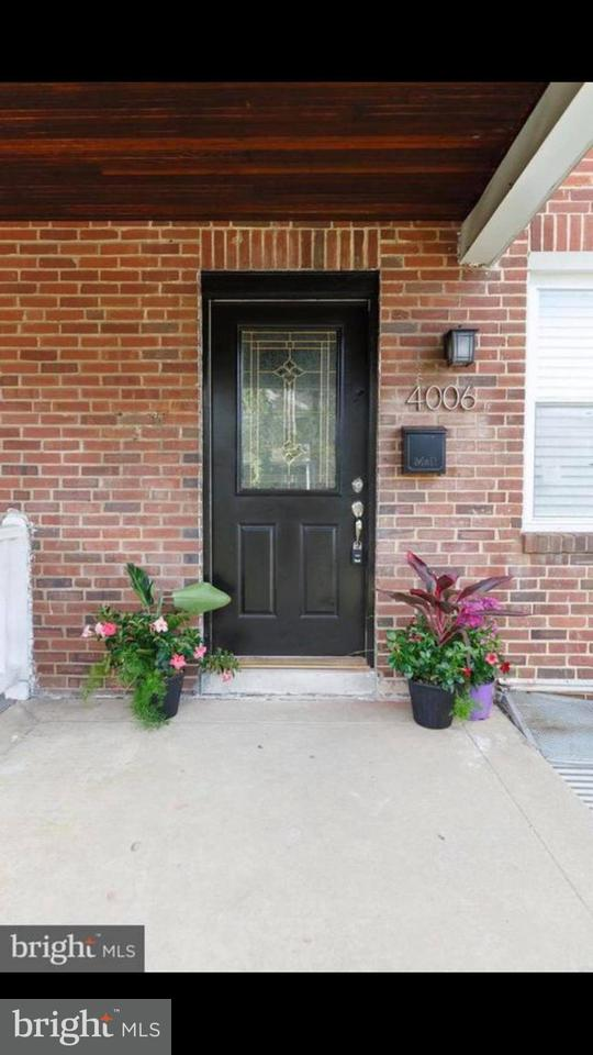 Single Family for Sale at 4006 Colborne Rd Baltimore, Maryland 21229 United States