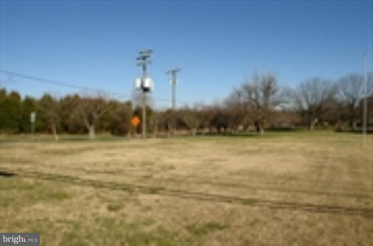 Land for Sale at 10405 Dumfries Road 10405 Dumfries Road Manassas, Virginia 20110 United States