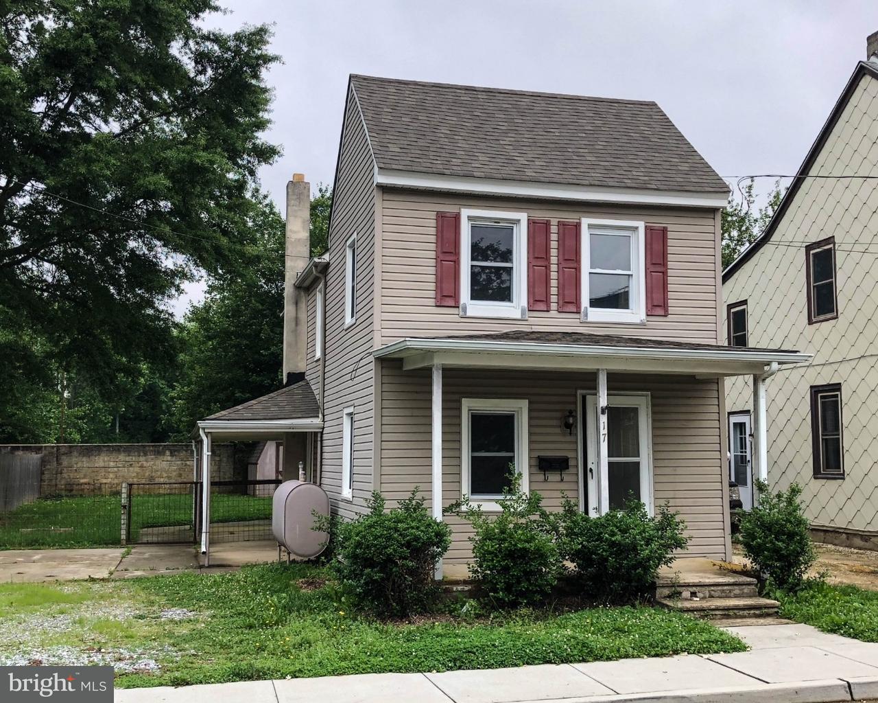 Casa Unifamiliar por un Alquiler en 17 E MILLBROOKE Avenue Woodstown, Nueva Jersey 08098 Estados Unidos