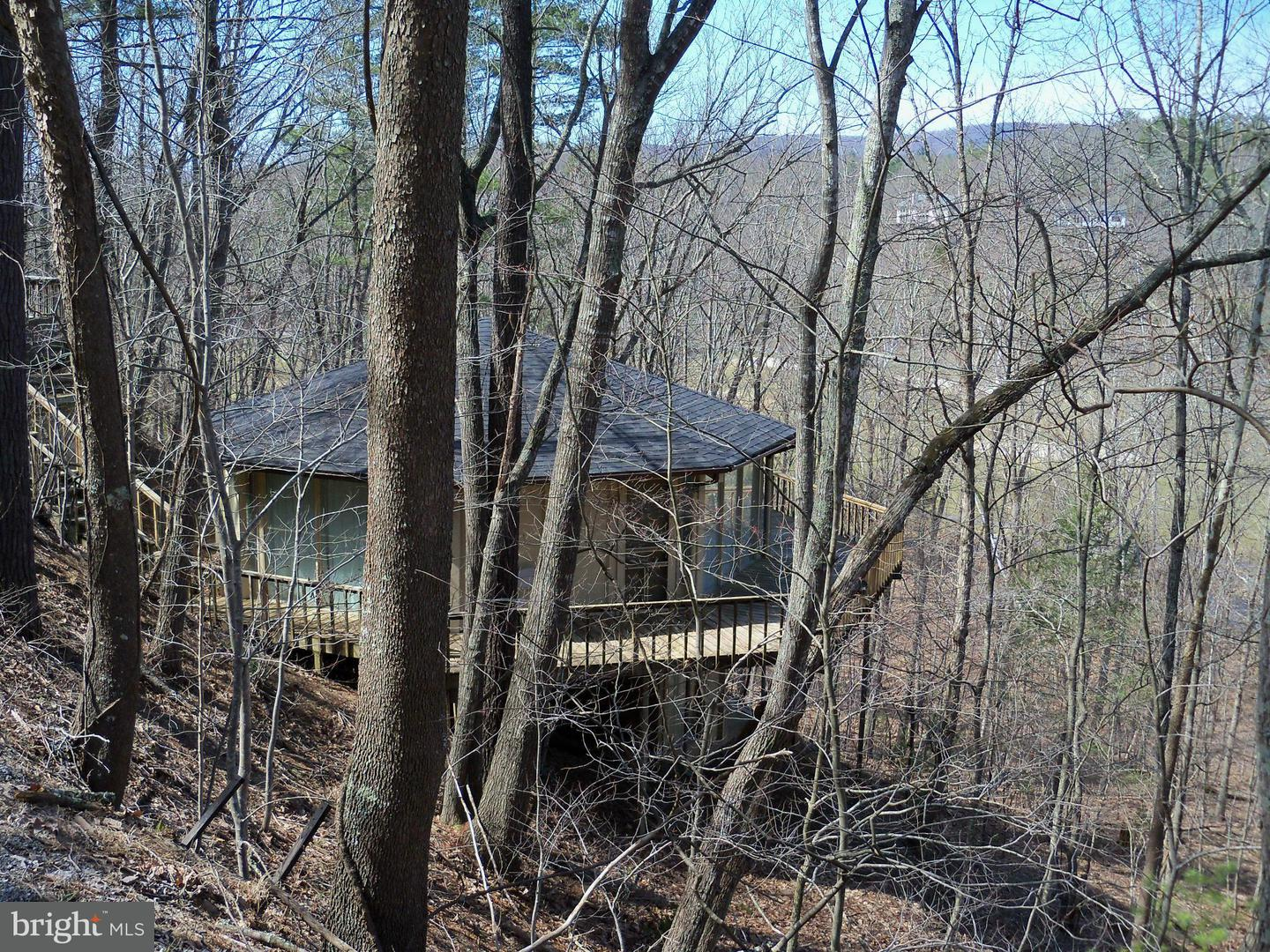 Single Family for Sale at 277 Greenview Dr Basye, Virginia 22810 United States