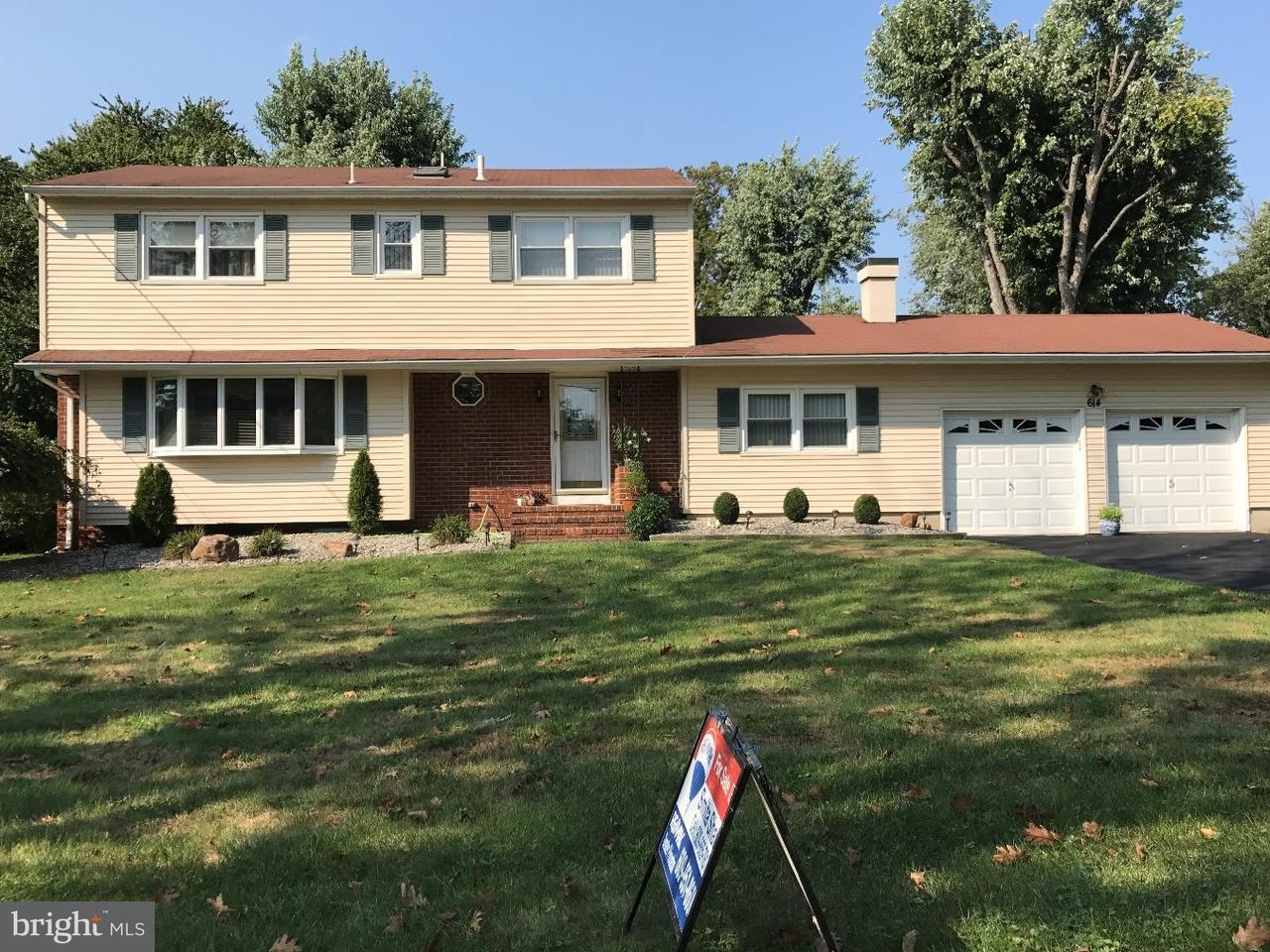 独户住宅 为 销售 在 614 DUTCH NECK Road East Windsor Township, 新泽西州 08520 美国在/周边: East Windsor Township