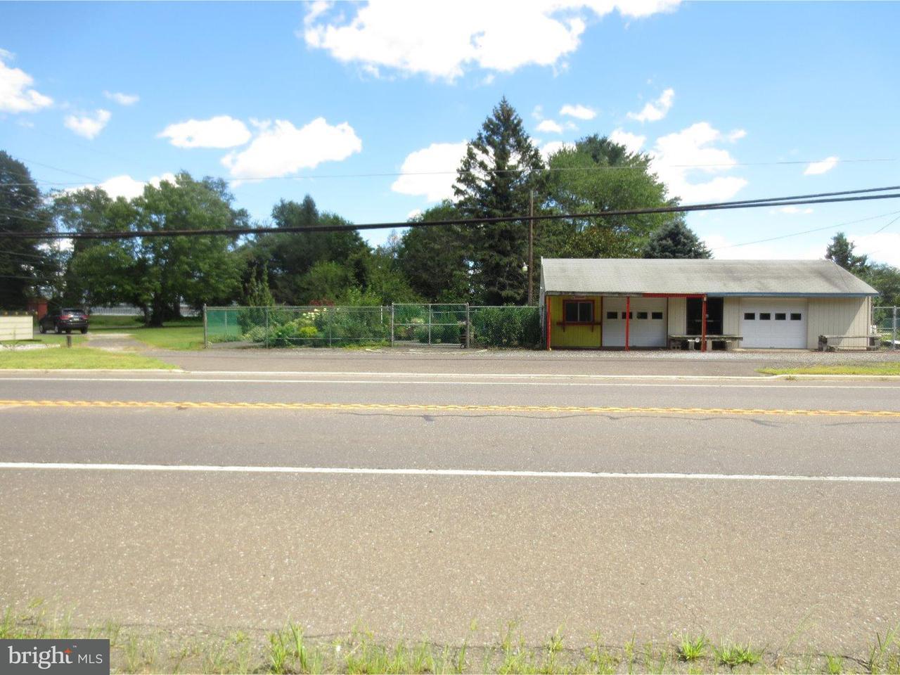 Частный односемейный дом для того Продажа на 211 TUCKERTON Road Shamong Township, Нью-Джерси 08088 Соединенные Штаты