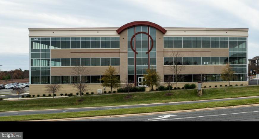 Additional photo for property listing at 19490 Sandridge Way #240  Leesburg, Virginia 20176 United States