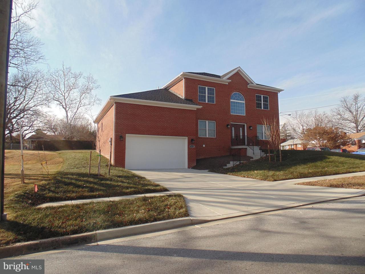 独户住宅 为 销售 在 7020 21st Avenue 7020 21st Avenue Hyattsville, 马里兰州 20783 美国