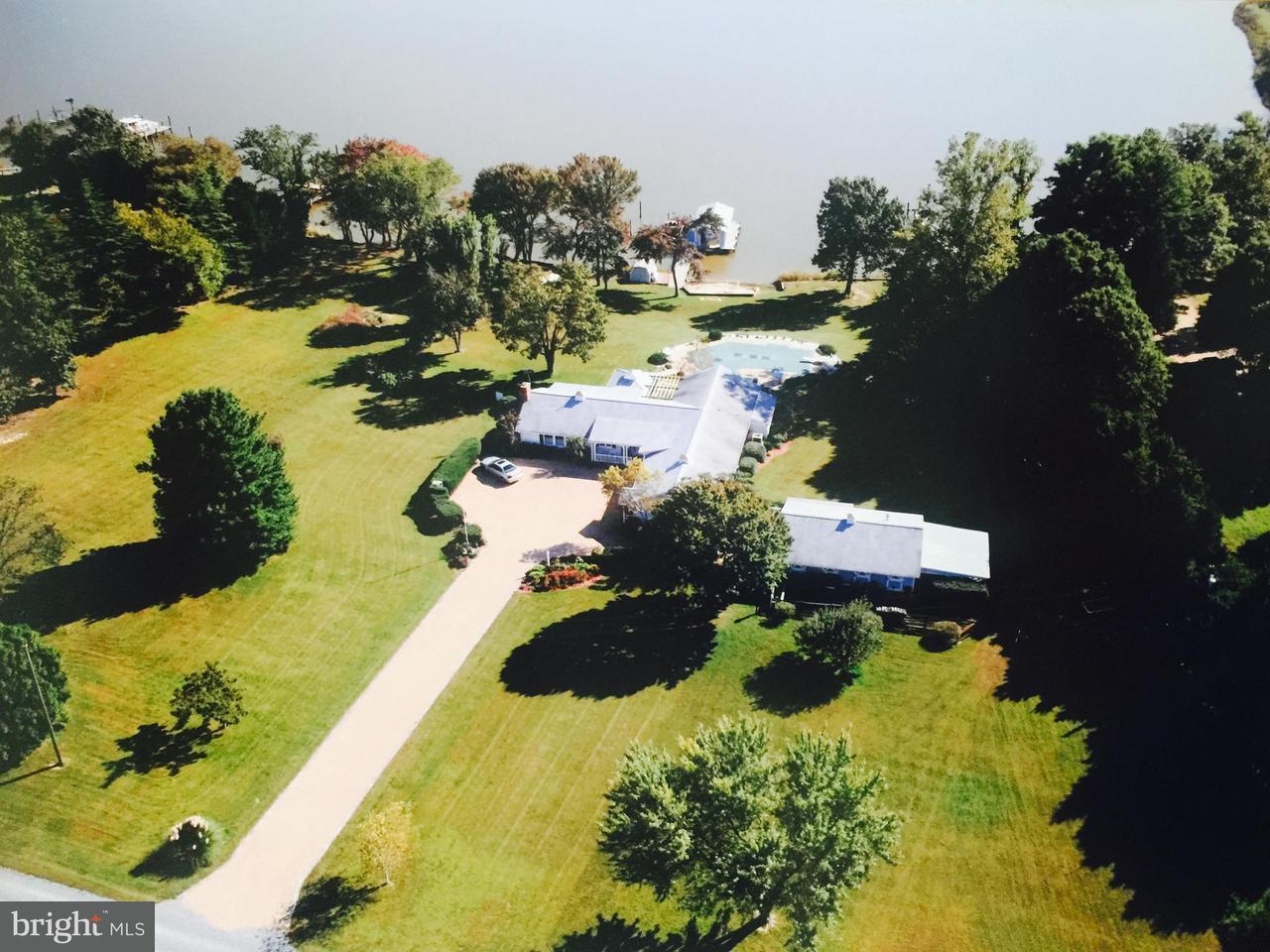 獨棟家庭住宅 為 出售 在 628 Burnt House Pt 628 Burnt House Pt Colonial Beach, 弗吉尼亞州 22443 美國