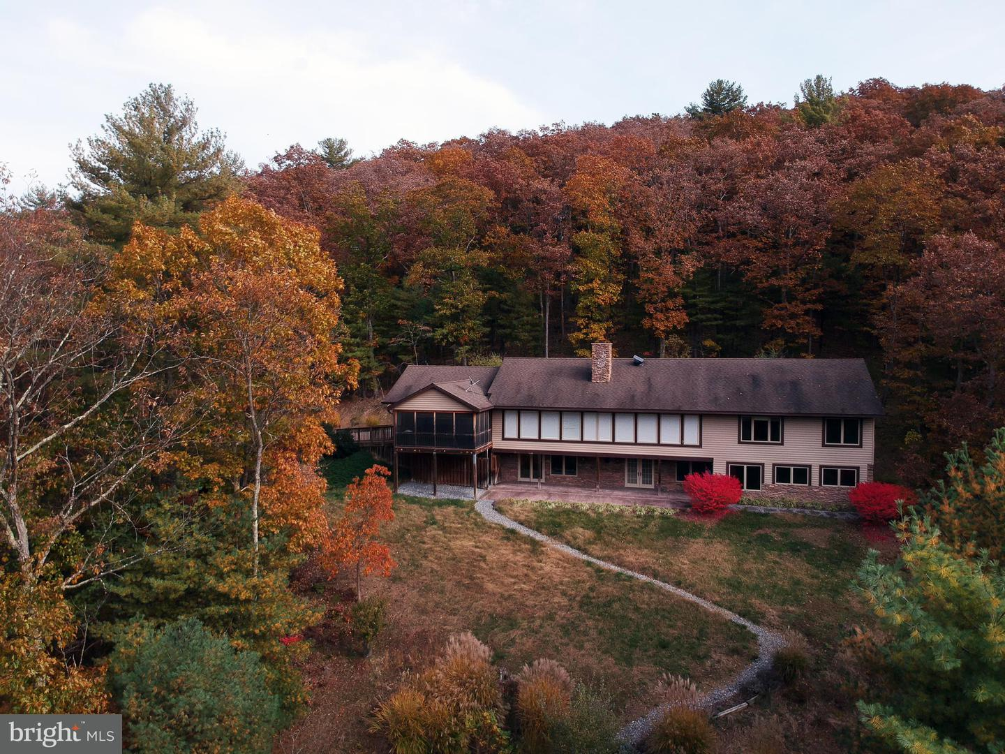 Single Family for Sale at 270 Morgan Rd Cross Junction, Virginia 22625 United States