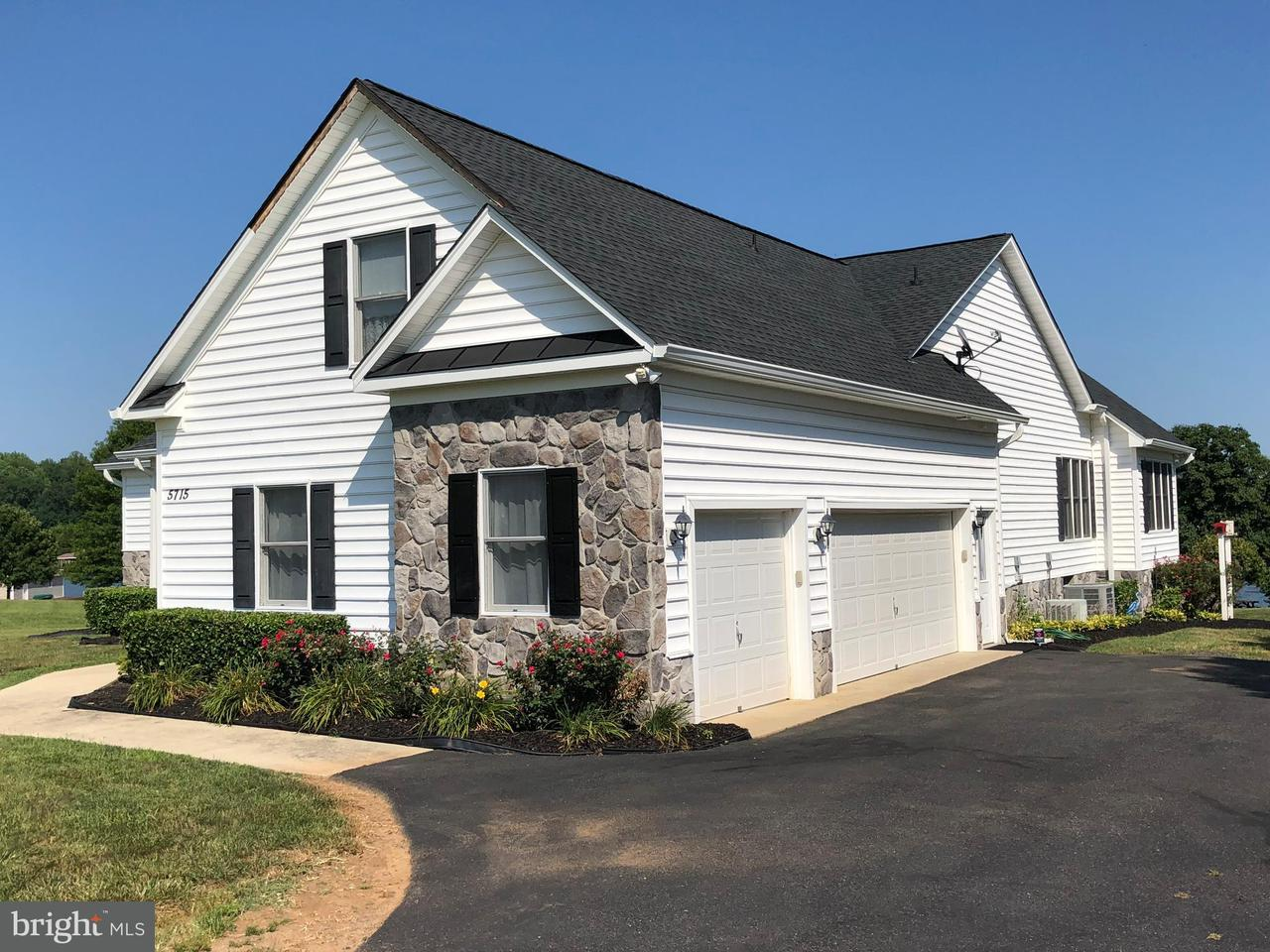 Single Family Home for Sale at 5715 Crescent Point Drive 5715 Crescent Point Drive Orange, Virginia 22960 United States