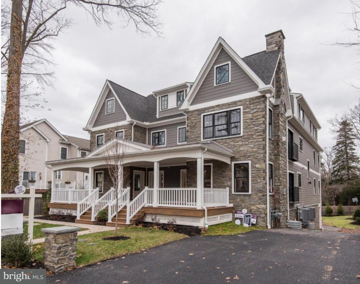 Casa unifamiliar adosada (Townhouse) por un Venta en 111 W MONTGOMERY AVE #A Ardmore, Pennsylvania 19003 Estados Unidos