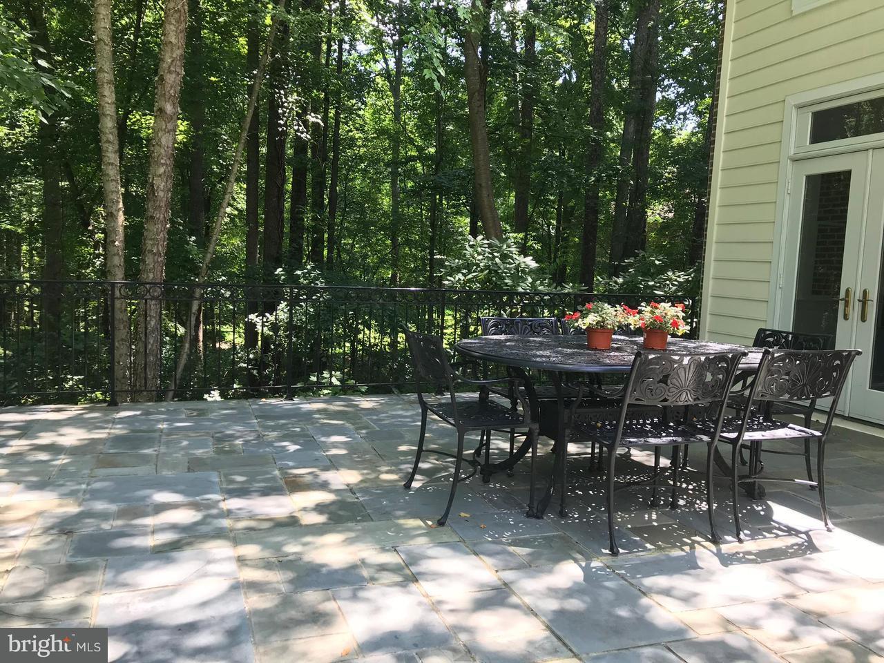 Maison unifamiliale pour l Vente à 14027 Berryville Road 14027 Berryville Road Darnestown, Maryland 20874 États-Unis