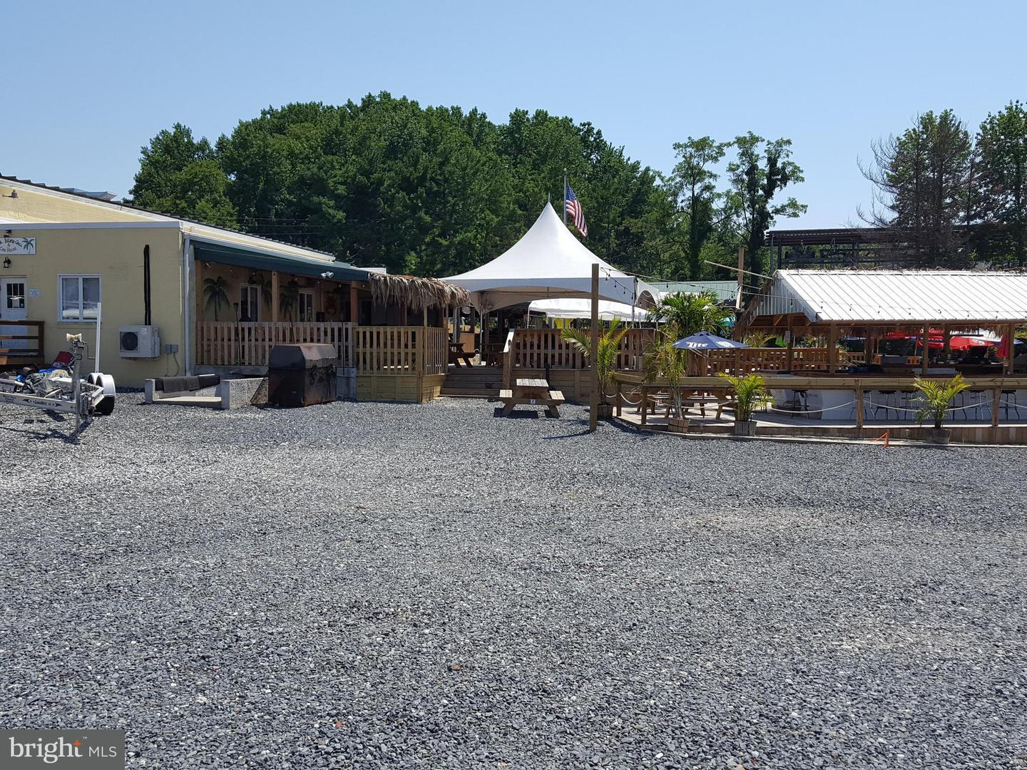 Commercial for Sale at 900 Balto Yacht Club Rd Essex, Maryland 21221 United States