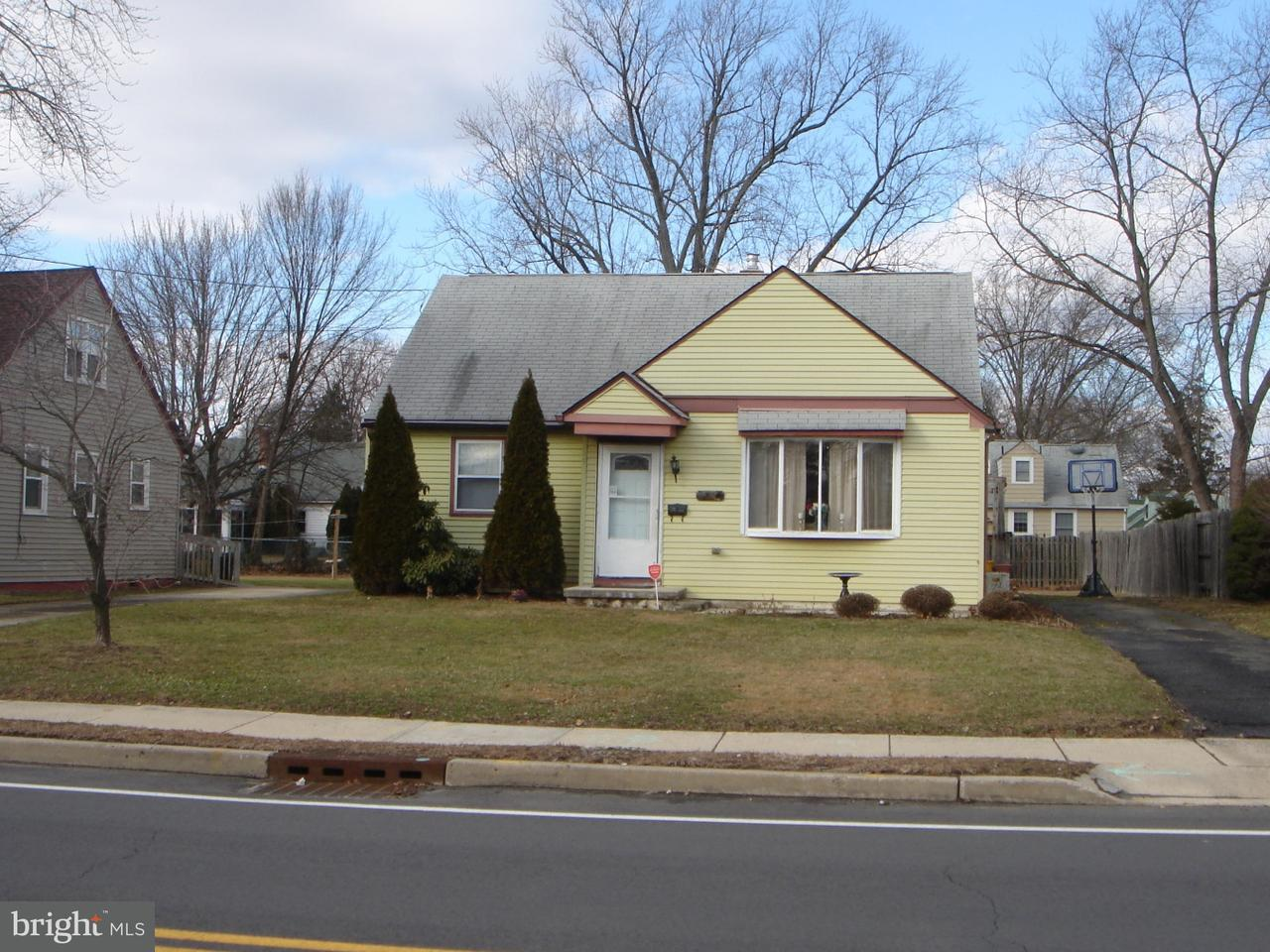Single Family Home for Sale at 215 W GLOUCESTER PIKE Barrington, New Jersey 08007 United States