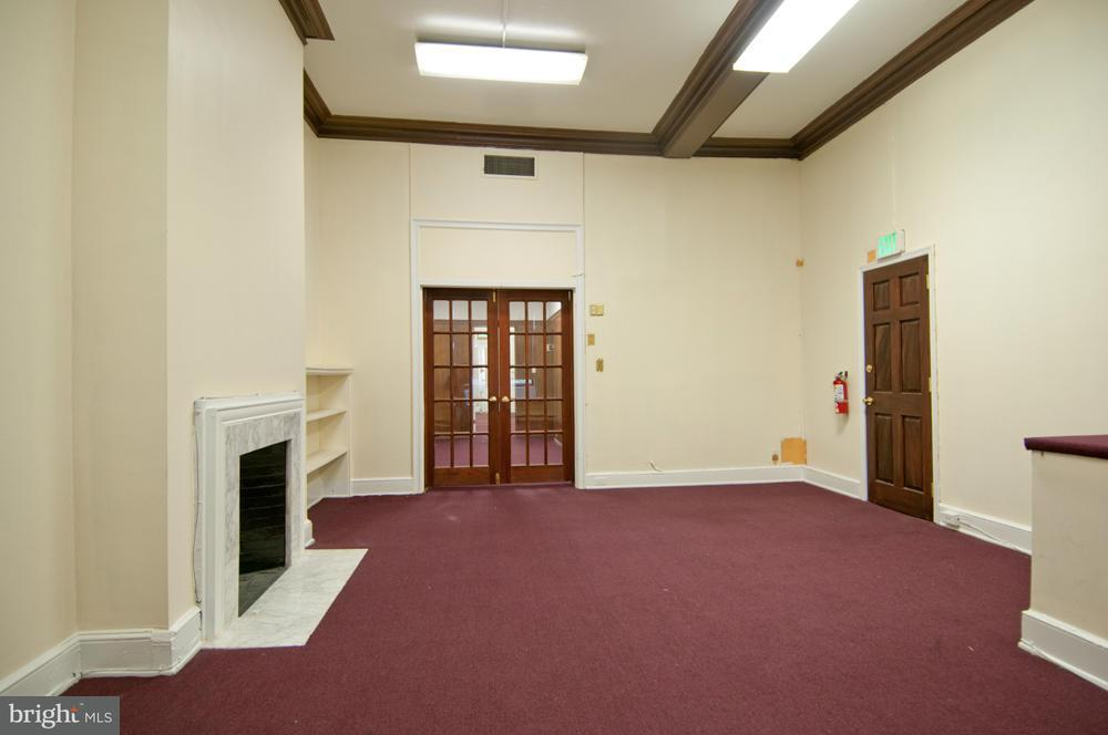 Additional photo for property listing at 2125 Maryland Ave  Baltimore, Maryland 21218 United States