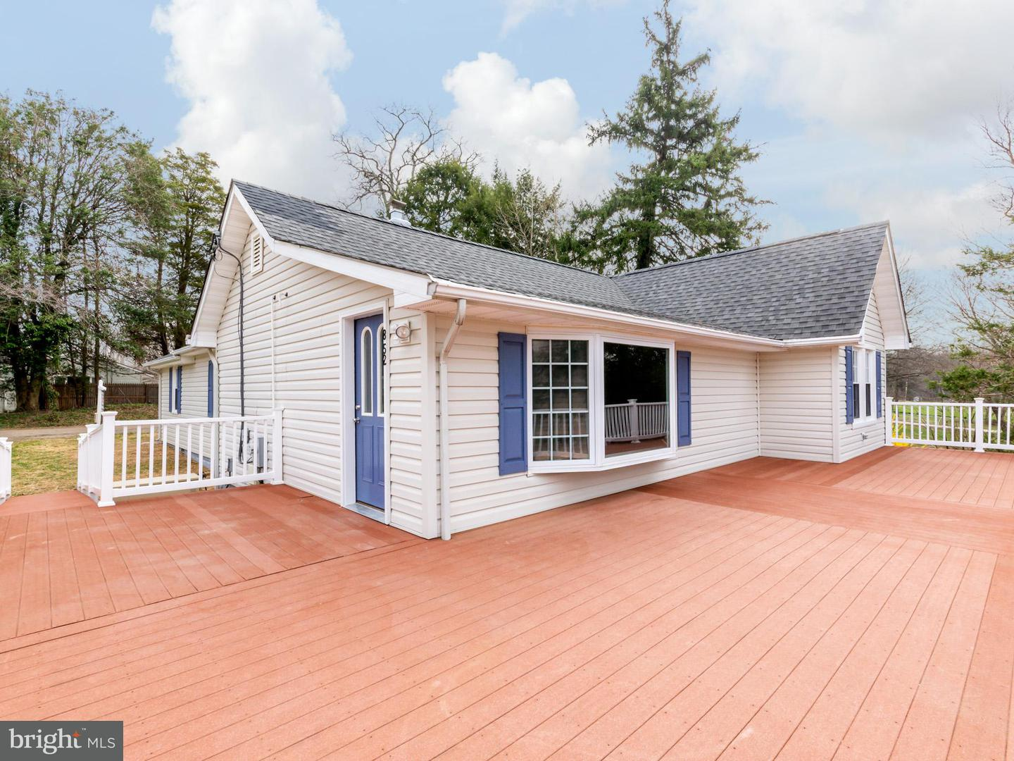 Single Family for Sale at 852 Maple Rd Gambrills, Maryland 21054 United States