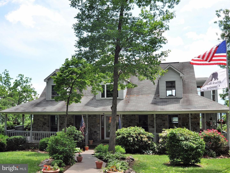Single Family for Sale at 184 Clark Ln Washington, Virginia 22747 United States