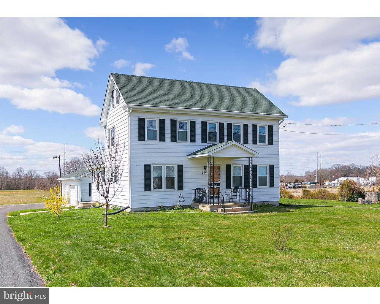 Частный односемейный дом для того Продажа на 574 S MAIN Street Woodstown, Нью-Джерси 08098 Соединенные Штаты