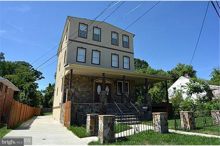 Single Family for Sale at 4406 The Alameda Baltimore, Maryland 21239 United States