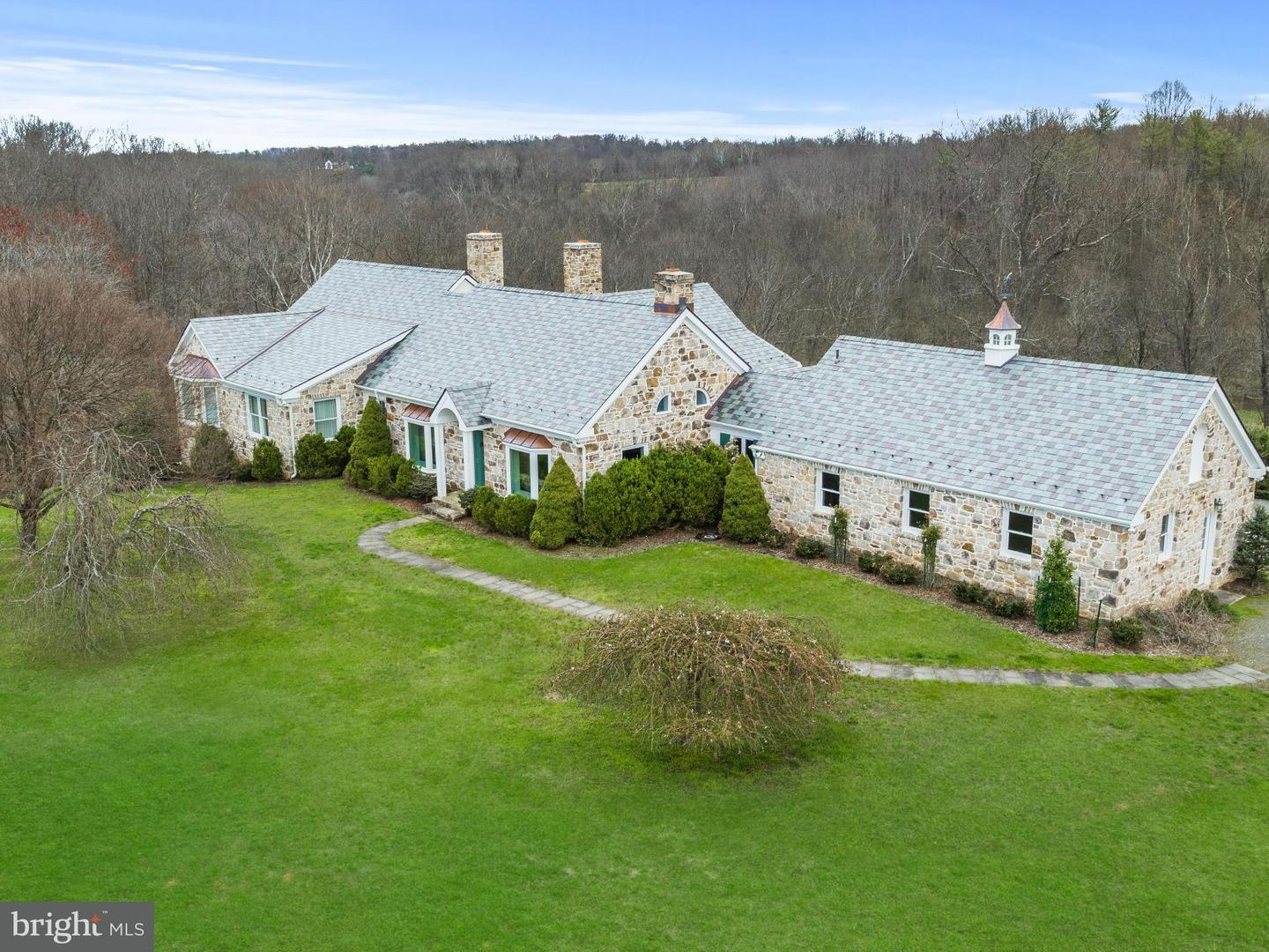 Single Family for Sale at 35679 Millville Rd Middleburg, Virginia 20117 United States
