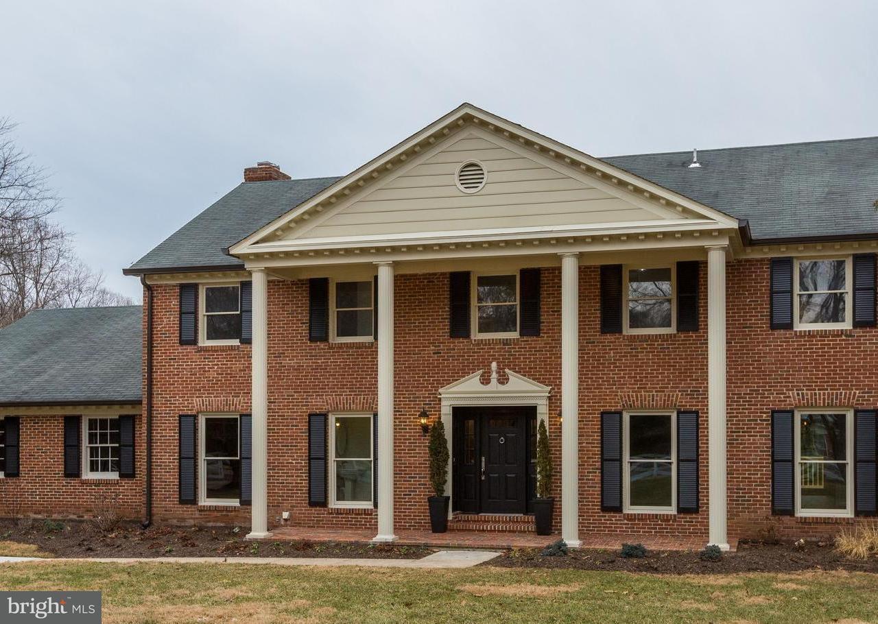 Maison unifamiliale pour l Vente à 13840 Esworthy Road 13840 Esworthy Road Darnestown, Maryland 20874 États-Unis