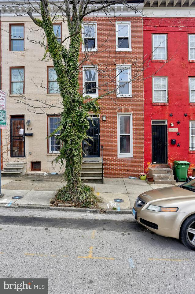 Single Family for Sale at 125 Parkin St Baltimore, Maryland 21201 United States