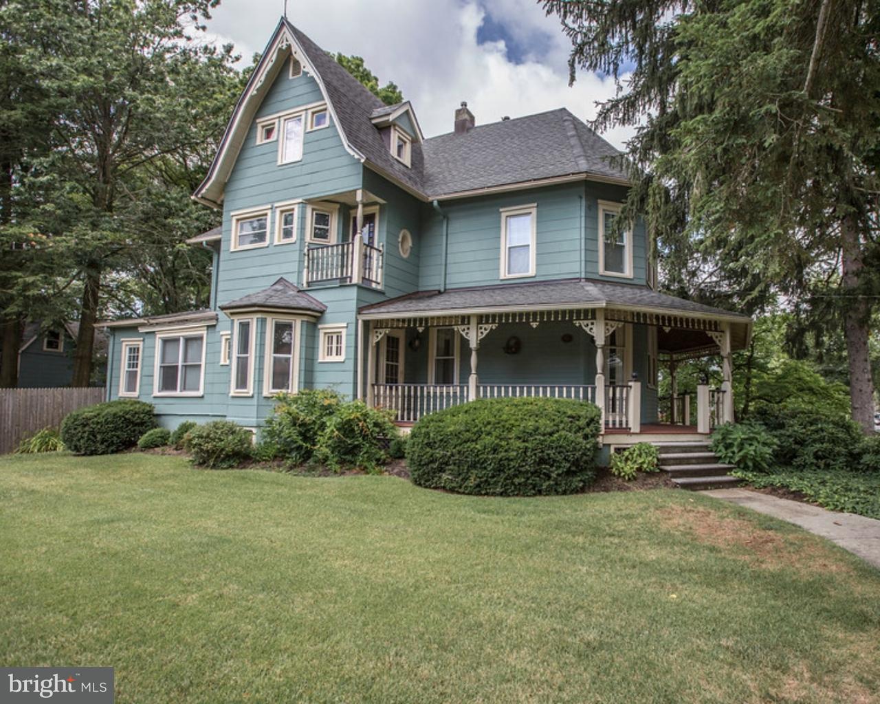 Частный односемейный дом для того Продажа на 648 LINWOOD Avenue Collingswood, Нью-Джерси 08108 Соединенные Штаты