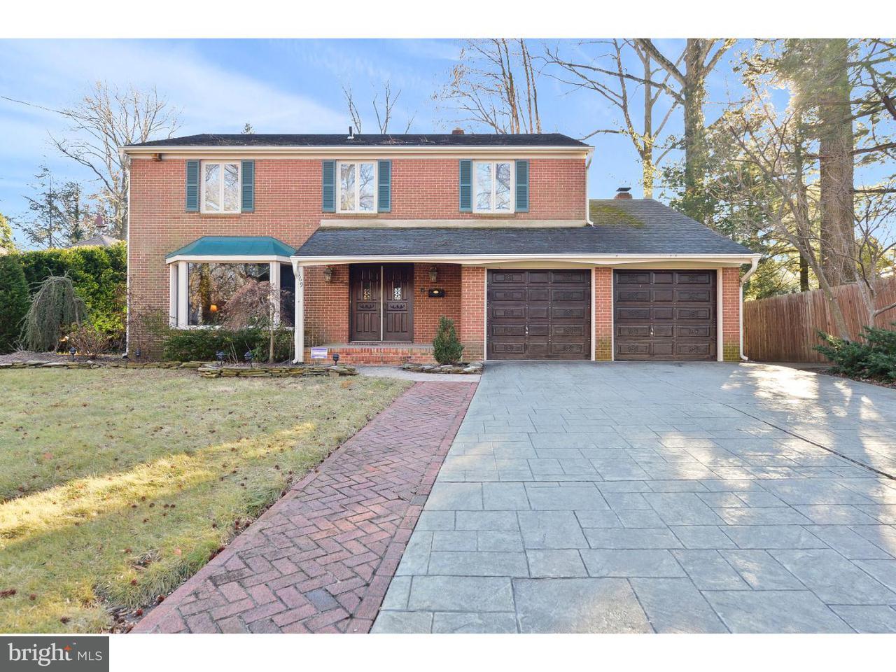 Maison unifamiliale pour l Vente à 169 RUGBY Place Woodbury, New Jersey 08096 États-Unis