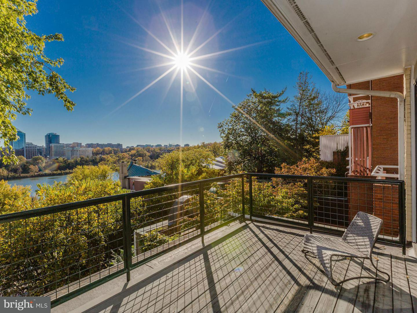 Additional photo for property listing at 3620 Prospect St NW  Washington, District Of Columbia 20007 United States