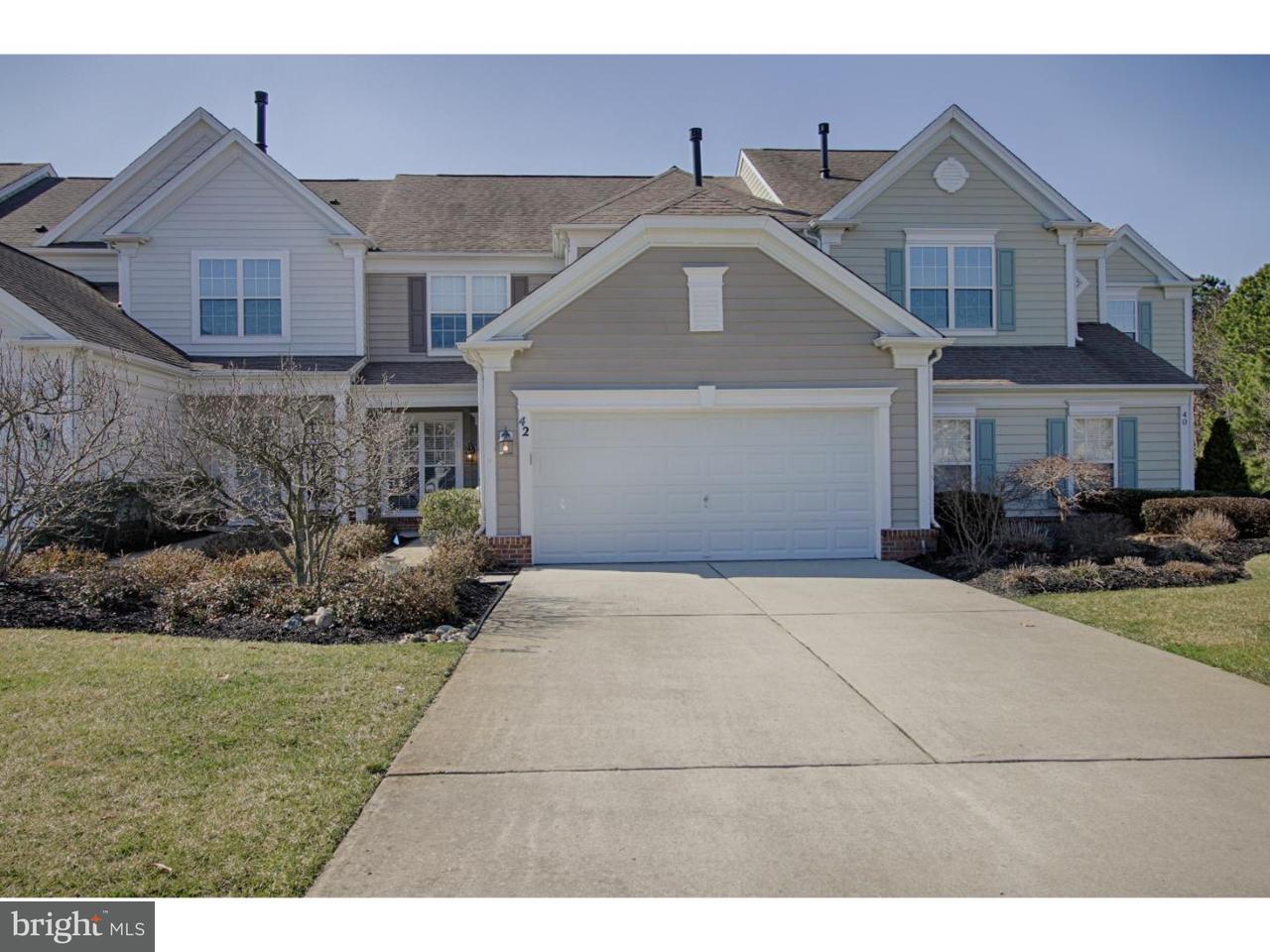 Casa unifamiliar adosada (Townhouse) por un Venta en 42 WRENTHAM Drive Medford, Nueva Jersey 08055 Estados Unidos