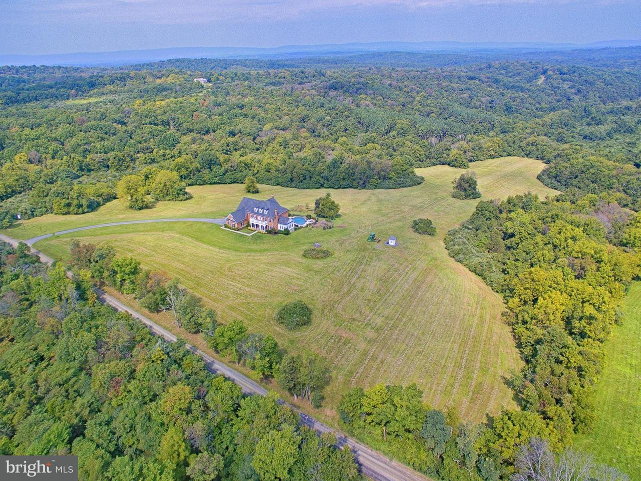 Single Family Home for Sale at 22077 Oatlands Road 22077 Oatlands Road Aldie, Virginia 20105 United States