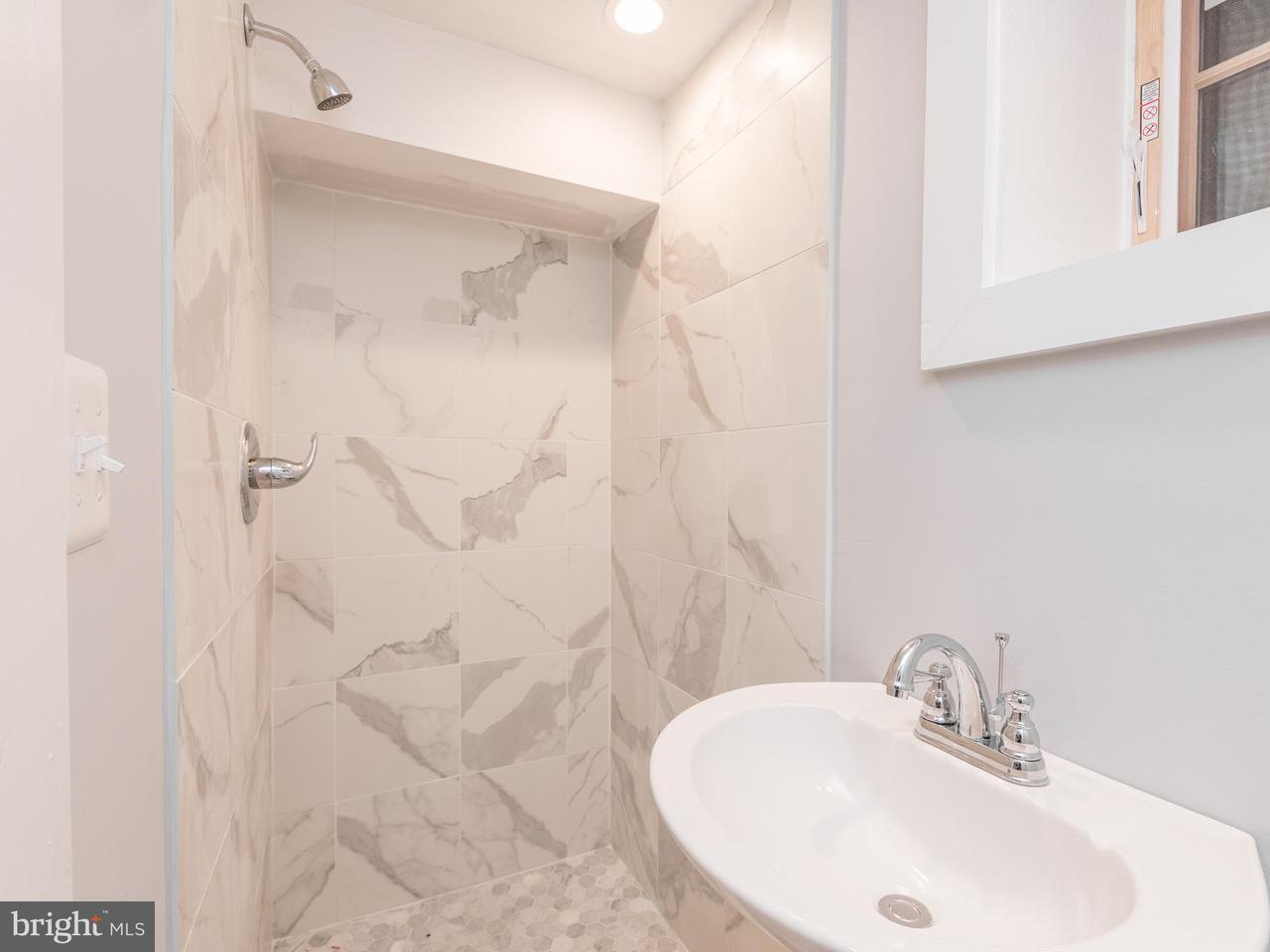 Additional photo for property listing at 2710 Poplar St Nw 2710 Poplar St Nw Washington, Округ Колумбия 20007 Соединенные Штаты