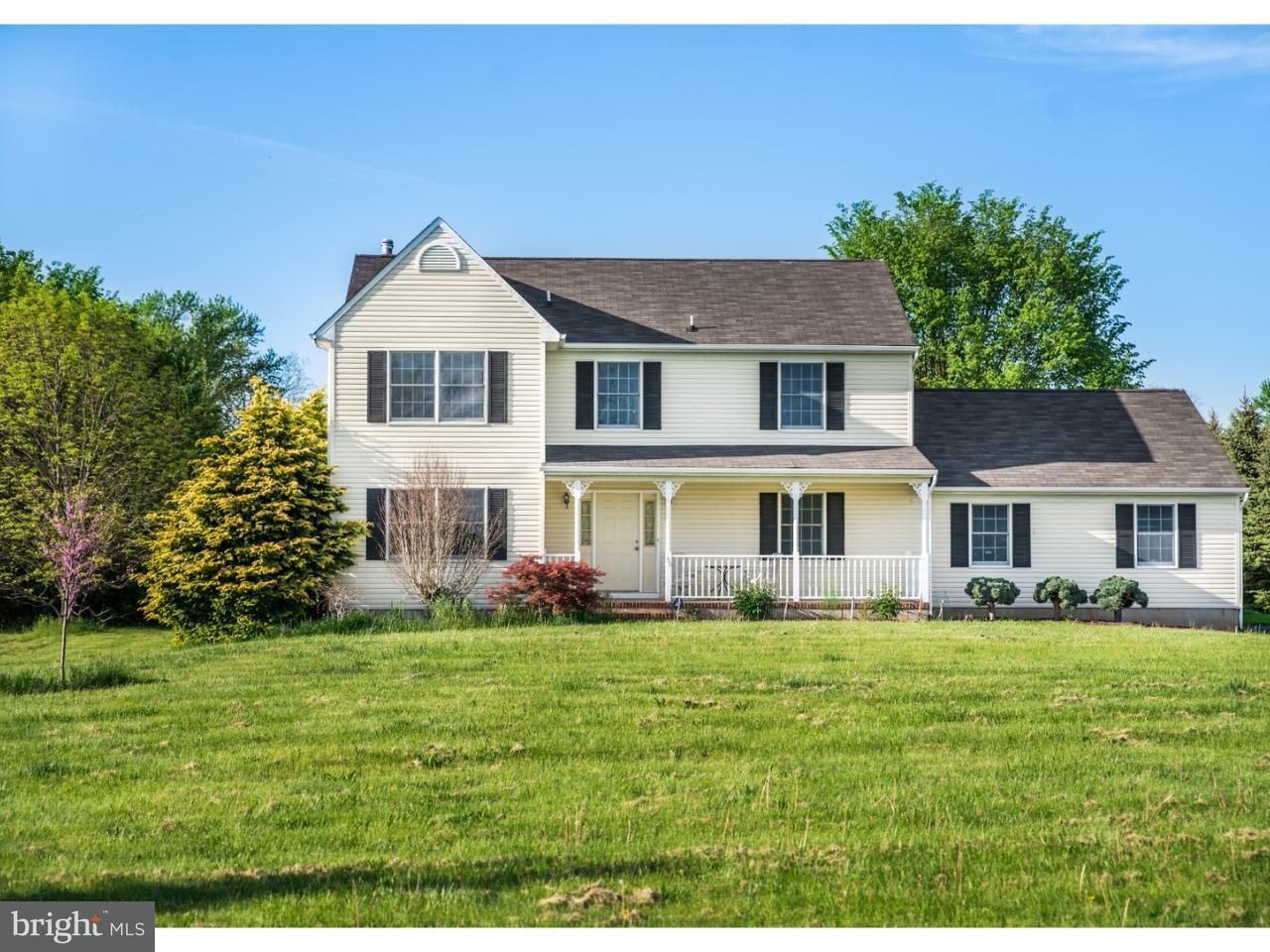 Частный односемейный дом для того Продажа на 33 CHESTERFIELD ARNEYTOWN Road North Hanover, Нью-Джерси 08501 Соединенные Штаты