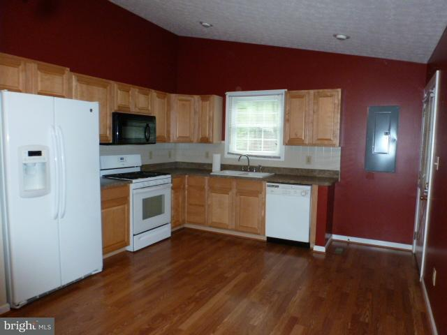 Additional photo for property listing at 1000 Hickory Trl  Winchester, Virginia 22602 United States