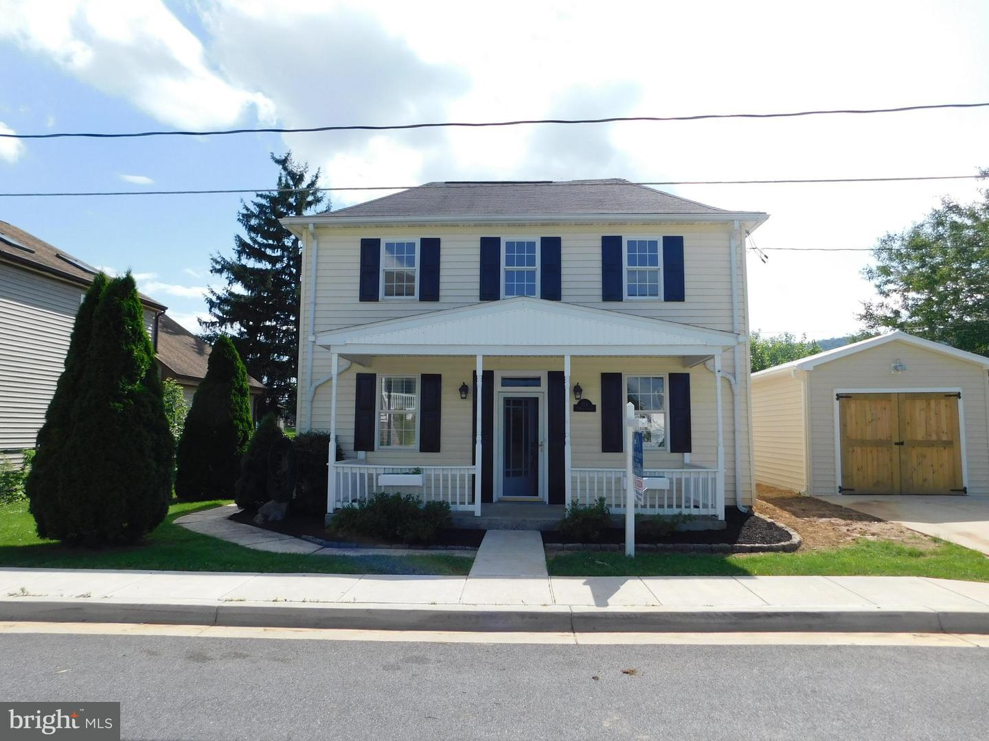Single Family for Sale at 106 Main St Burkittsville, Maryland 21718 United States