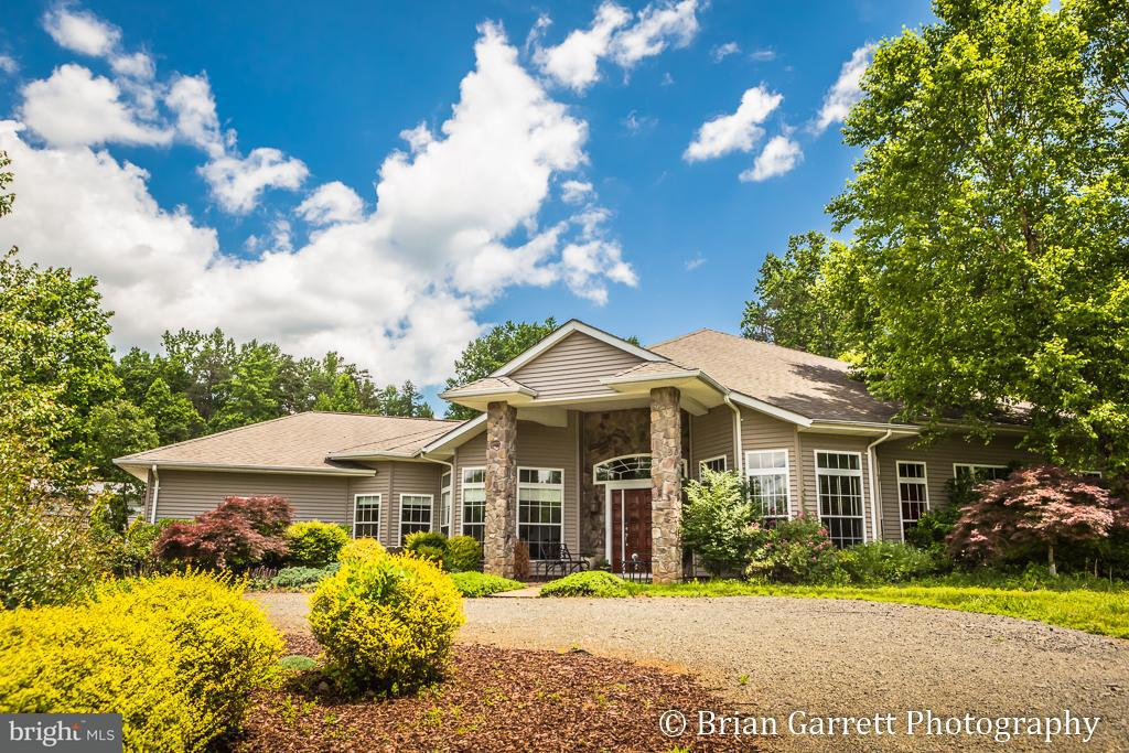 Single Family Home for Sale at 600 Battle Mountain Road 600 Battle Mountain Road Amissville, Virginia 20106 United States