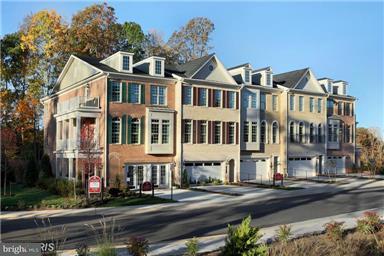 タウンハウス のために 売買 アット 7901 Turtle Creek Circle 7901 Turtle Creek Circle Gainesville, バージニア 20155 アメリカ合衆国