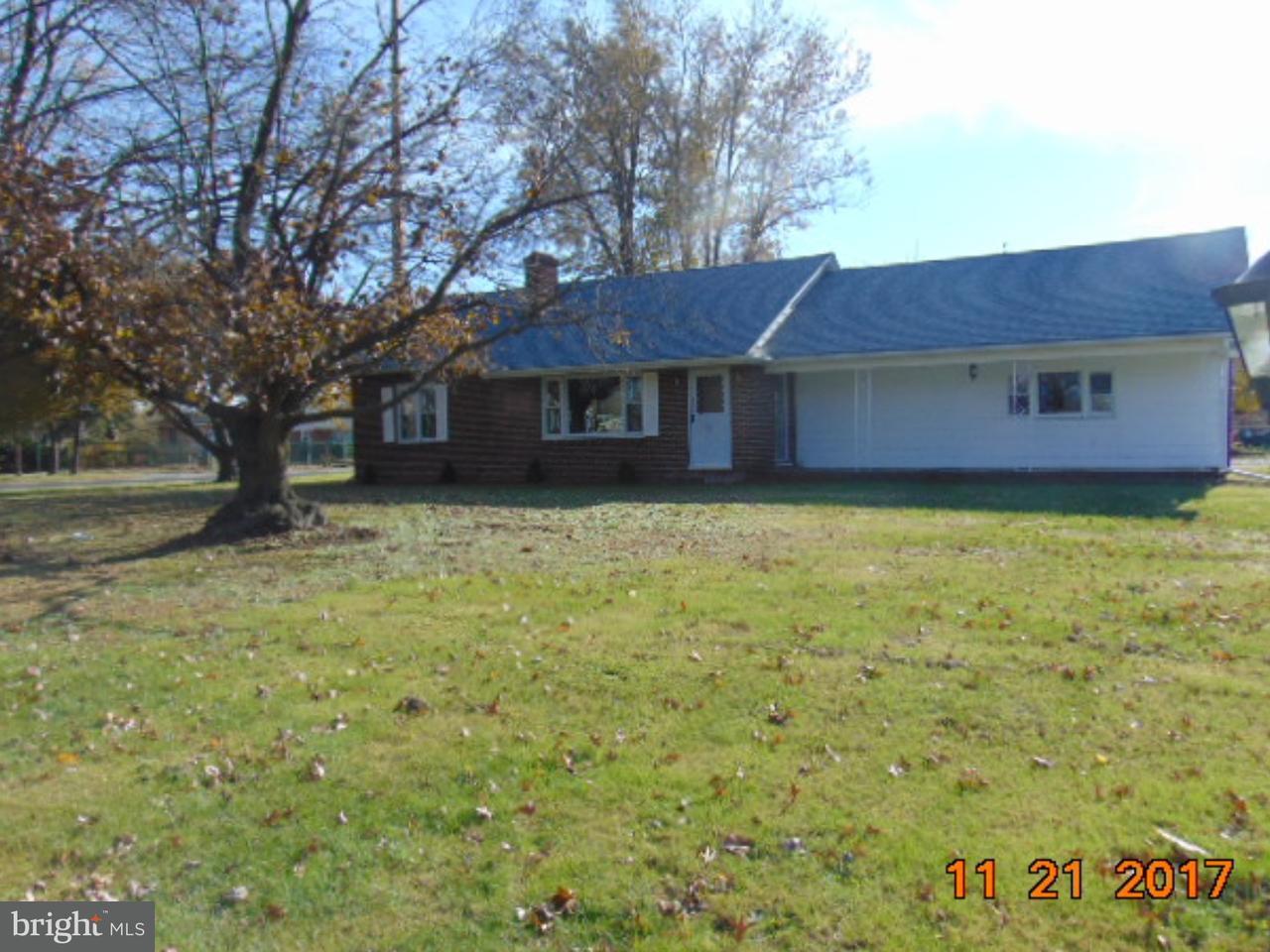Частный односемейный дом для того Продажа на 310 SWEDESBORO Road Gibbstown, Нью-Джерси 08027 Соединенные Штаты