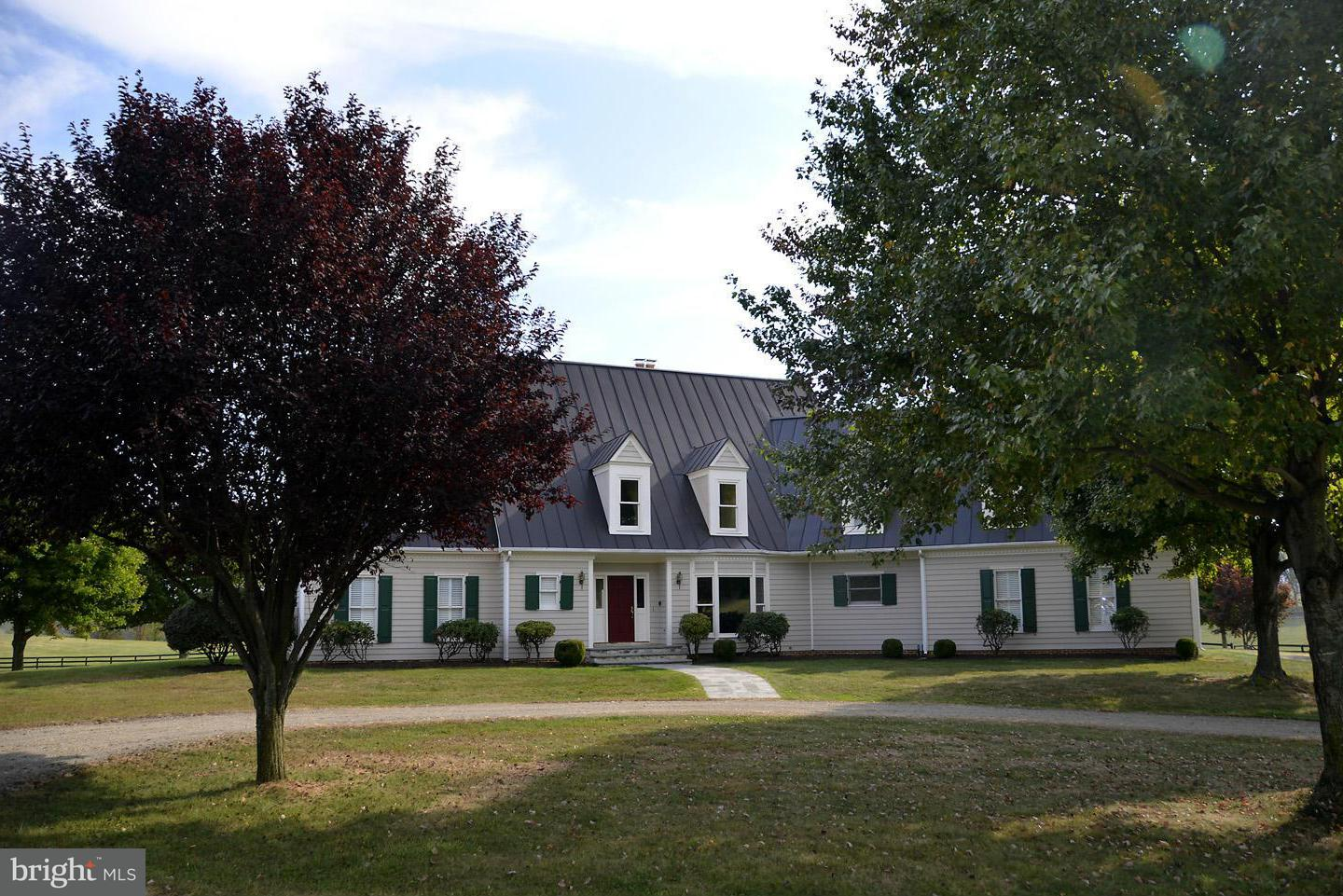 Farm for Sale at 2933 Rokeby Rd Delaplane, Virginia 20144 United States