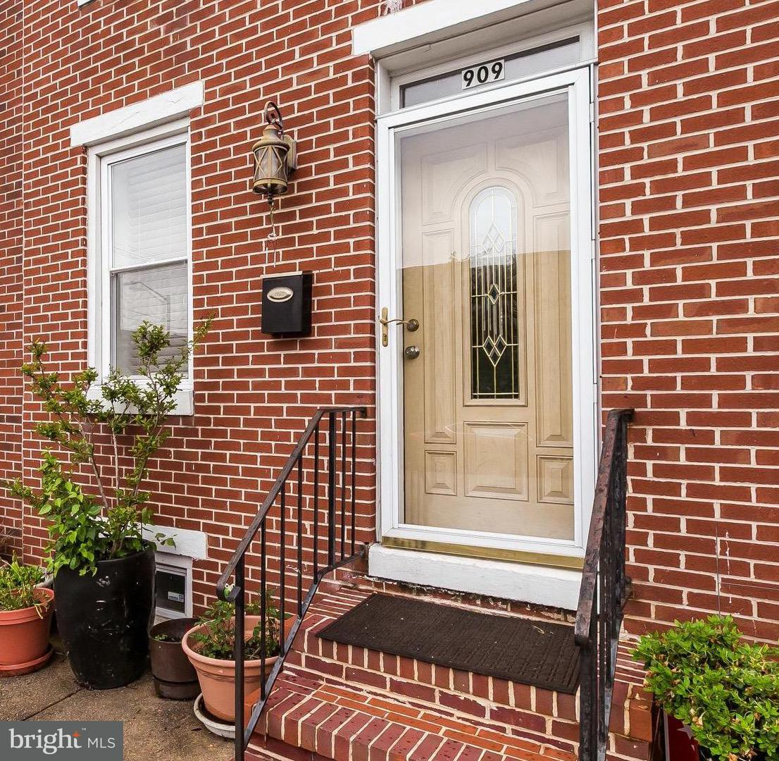 Single Family for Sale at 909 Barre St Baltimore, Maryland 21230 United States