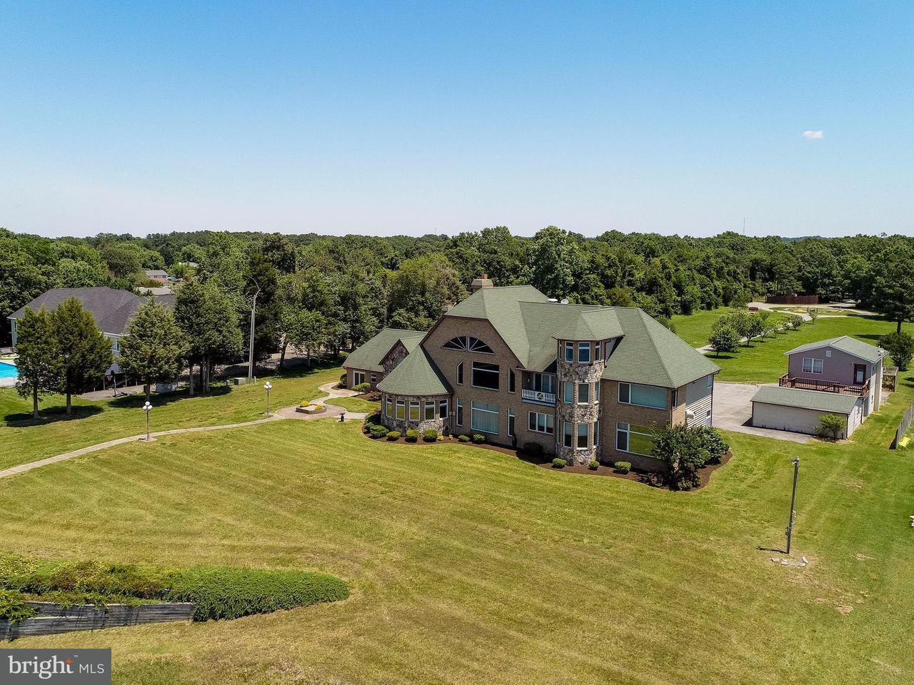 独户住宅 为 销售 在 495 Seagull Beach Road 495 Seagull Beach Road Prince Frederick, 马里兰州 20678 美国