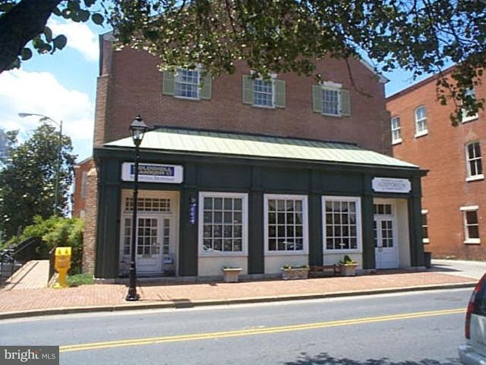Commercial for Sale at 17 Washington St #1 Easton, Maryland 21601 United States