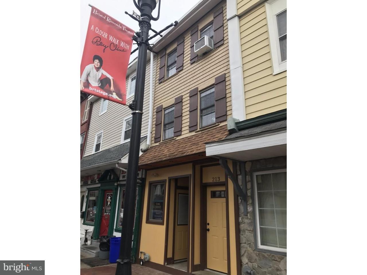 Maison unifamiliale pour l à louer à 213 MILL Street Bristol, Pennsylvanie 19007 États-Unis