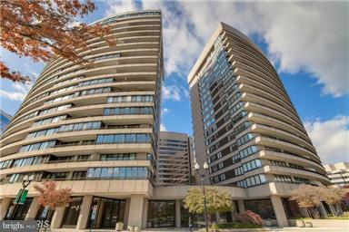 Condominium for Sale at 1300 Crystal Dr #Ph1s 1300 Crystal Dr #Ph1s Arlington, Virginia 22202 United States